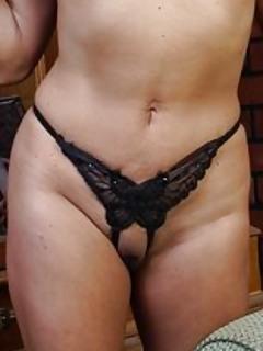 Moms Panties Pics